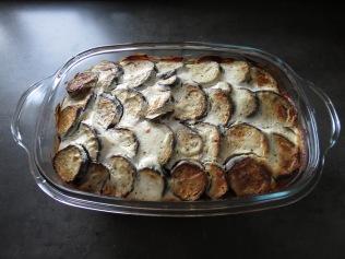 Der Auberginenauflauf frisch aus dem Ofen.