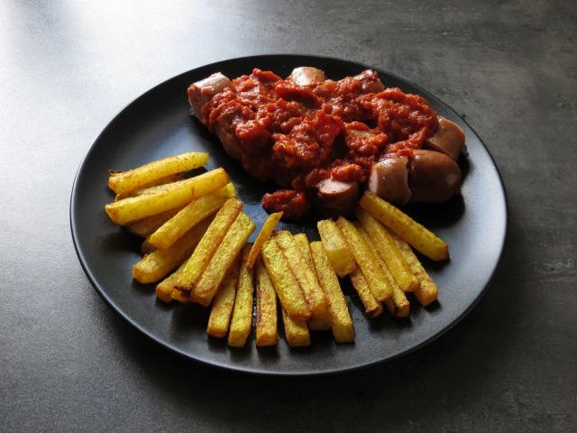 Currywurst mit Kohlrabipommes