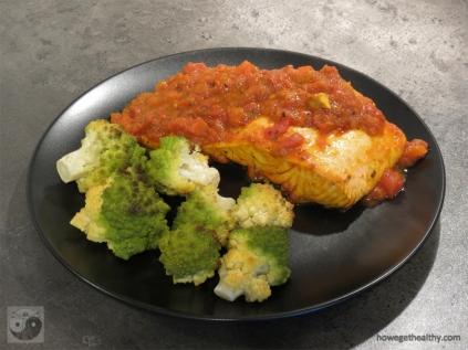 lachs-mit-wuerziger-tomatensosse