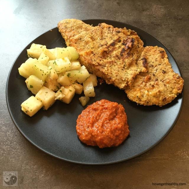paniertes-schnitzel-mit-kohlrabi-sellerie-gemuese-und-barbecuesosse