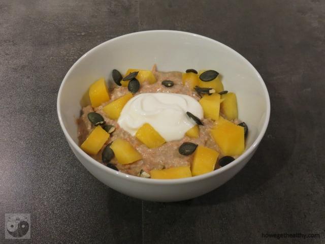 fruehstuecksbowl-mit-kokos-und-moeren