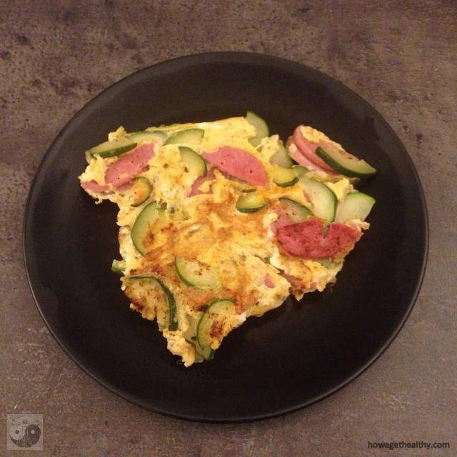 ruehrei-mit-fleischwurst-und-zucchini