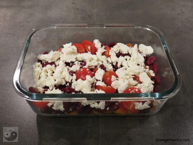 lunchbox-gemischter-salat-mit-kidneybohnen-und-feta