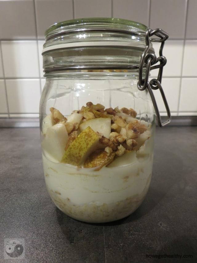 overnigth-oats-mit-birne-und-walnuessen