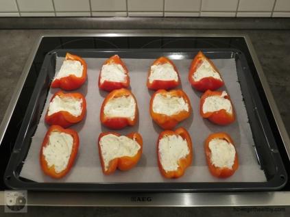 paprika-bacon-schiffchen-frischkaese