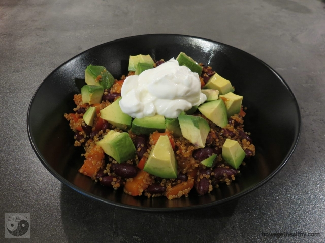 quinoabowl-mit-avocado-und-skyr
