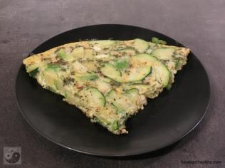 gruene-frittata-teller