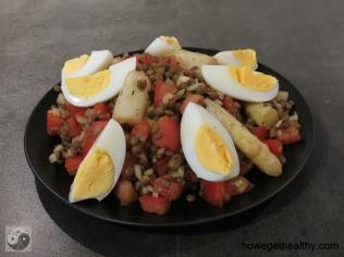 Linsensalat mit Spargel und Tomate Ei