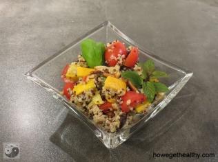Quinoasalat mit Gemuese und Joghurt-Minz-Dressing I
