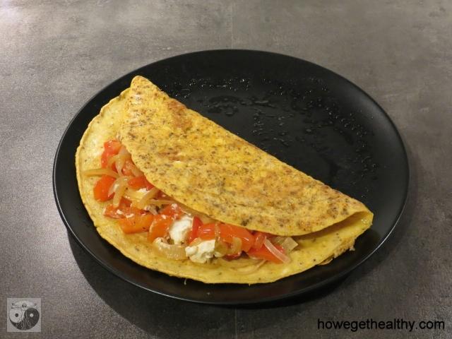 Gefuelltes Omlettee mit Paprika und Feta