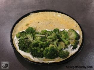 Gefuelltes Omlette mit Lachs und Brokkoli Schritt 2