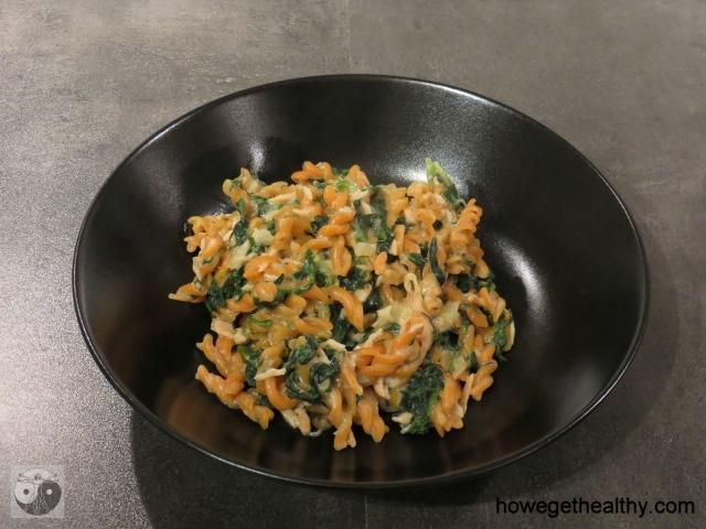 One Pot Pasta mit Lachs